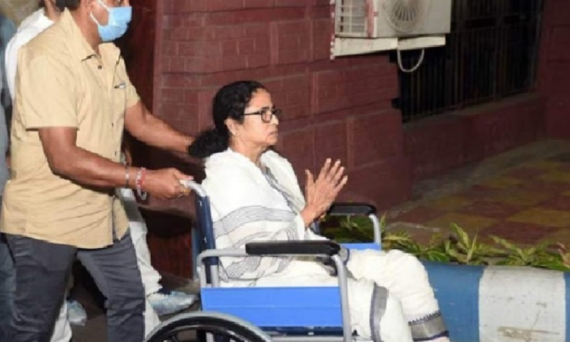 Mamata in a wheelchair campaign from Monday-মমতা-পশ্চিমবঙ্গ-কলকতা